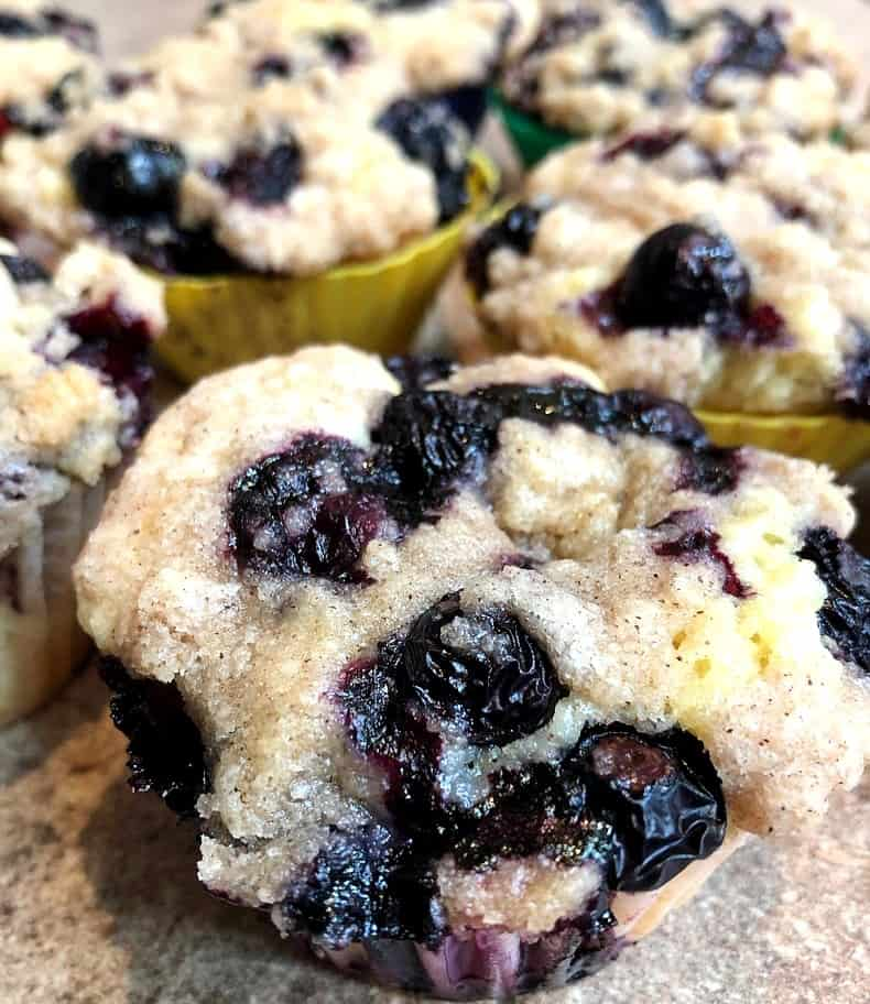 blueberry buckle cupcakes