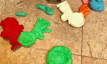 Easy Homemade Play-Dough