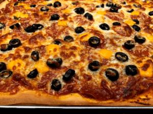 baked sheet pan pizza
