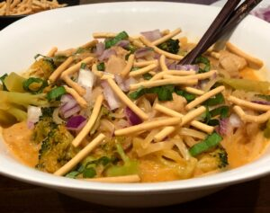 thai red curry soup with noodles (1)