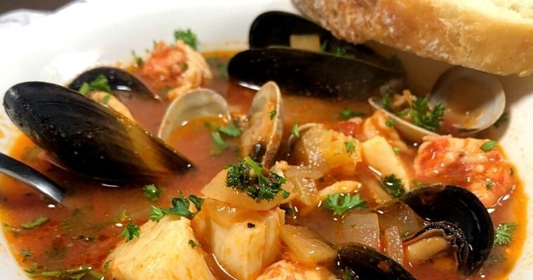 Easy Cioppino Seafood Soup