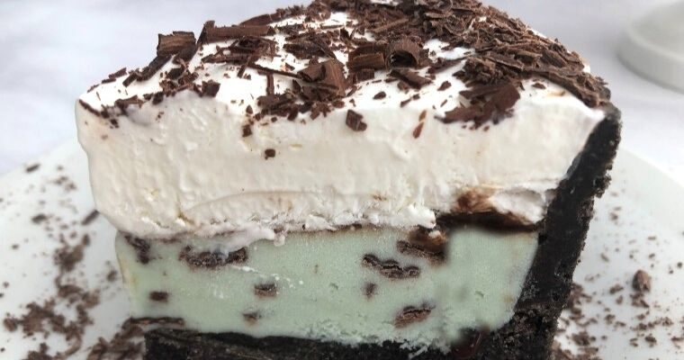 Oreo Mint Ice Cream Pie