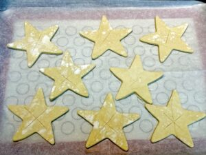 puff pastry stars with cuts