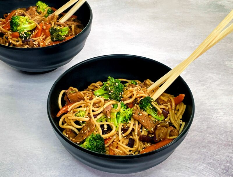 udon noodle stir fry with beef and veggies