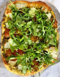 arugula pesto veggie pizza