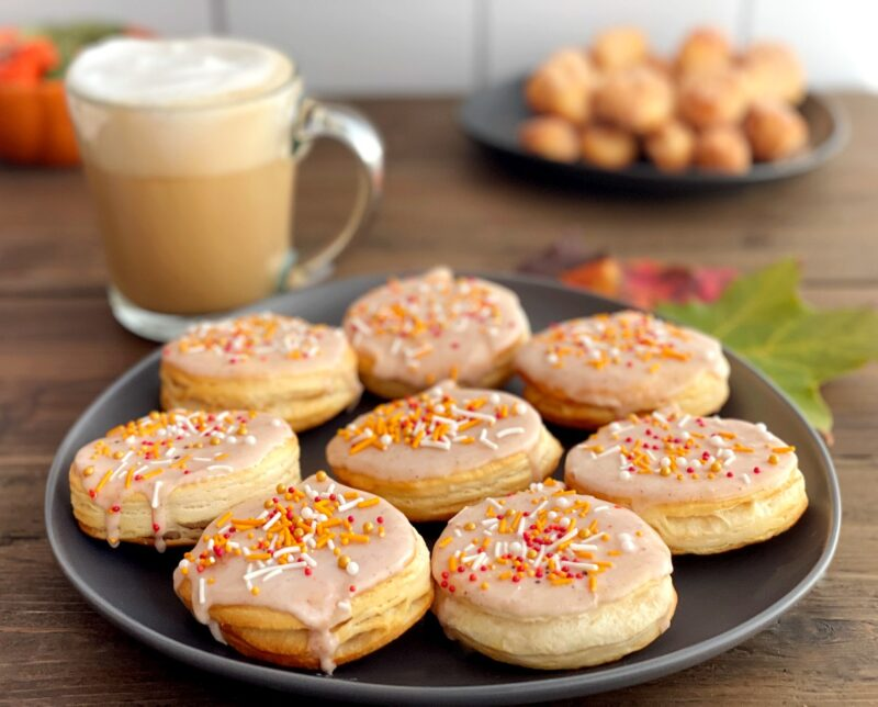 air fried pumpkin spice donuts and a latte